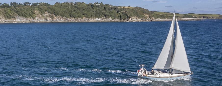 sailing-yacht-cherokee