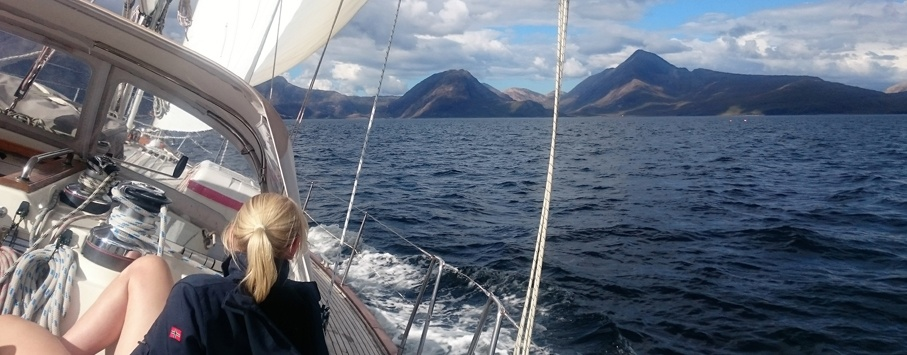 Sailing holidays scotland
