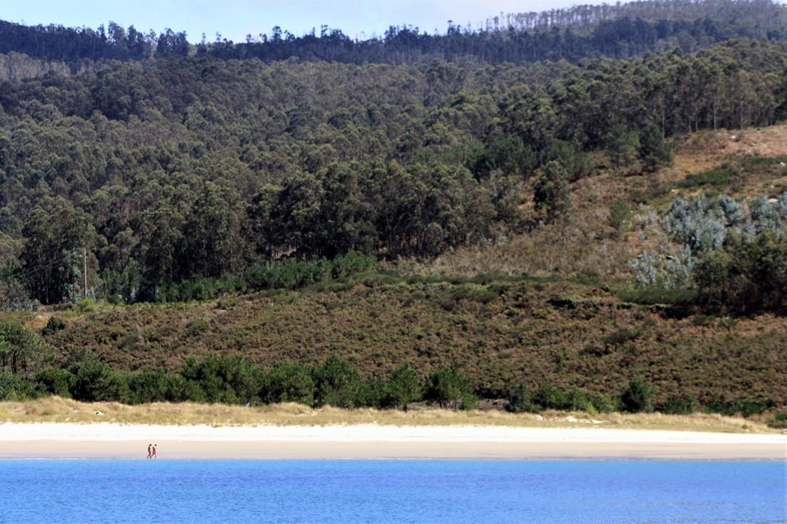 remote-beach-spain-galicia