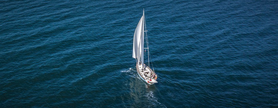 blue-water-sailing-holidays
