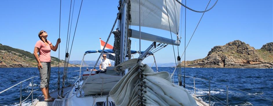 sailing-holidays-spain-galicia